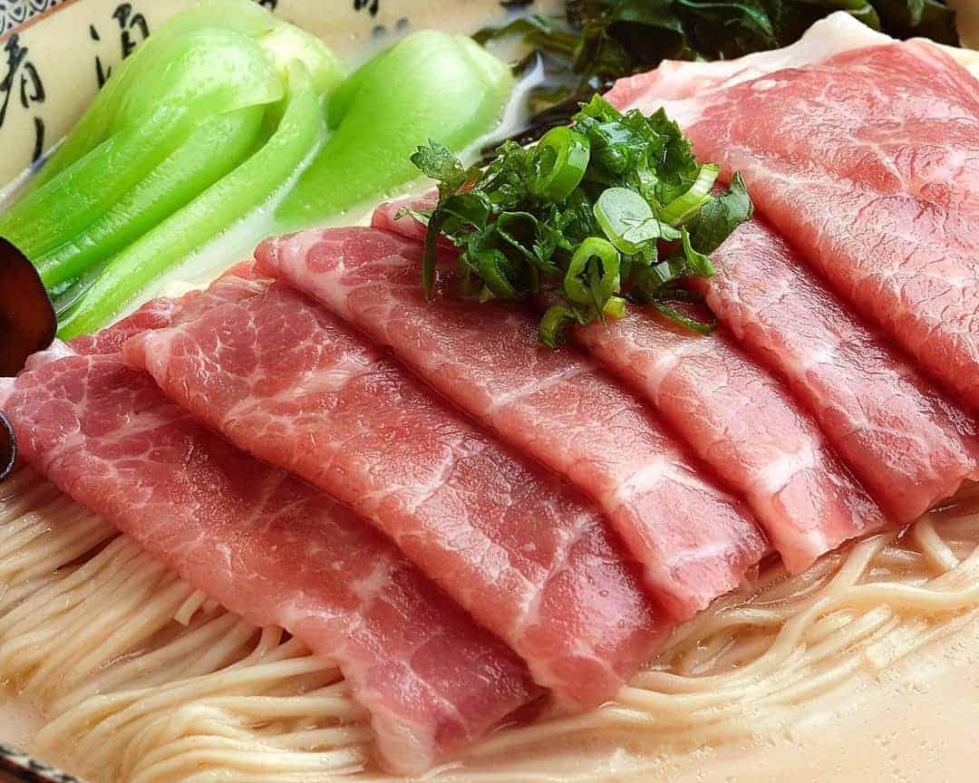 H1 鲜肉卷猪骨汤拉面 La Mian with Sliced Pork in Signature Pork Bone Soup